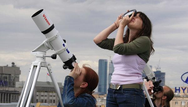 «С кем же в космос?»: ученые о том, зачем школьникам звезды