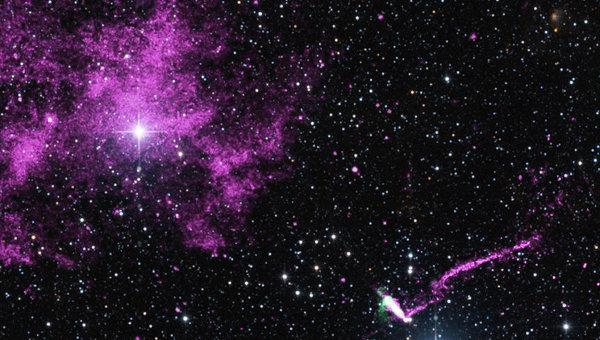 Телескоп Чандра увидел убегающий после взрыва сверхновой пульсар