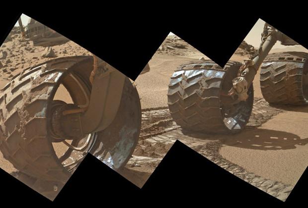 Марсоход «Кьюриосити» повредил покрышку