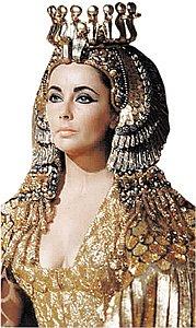 Красота египетской царицы требует жертв. Одной из них чуть не стала Элизабет Тейлор!