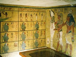 Интерьер погребальной камеры Тутанхамона