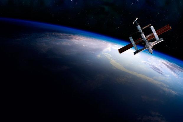 Космонавты вновь попробуют установить снаружи МКС две видеокамеры