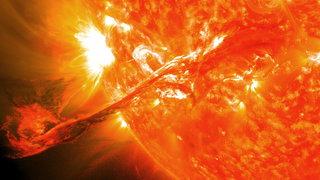 На Солнце произошла мощнейшая за два года вспышка