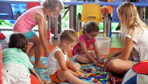 Ученые выяснили, где живут самые счастливые и несчастливые дети