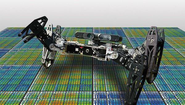 """Робот, умеющий """"разумно"""" адаптироваться к поломкам"""
