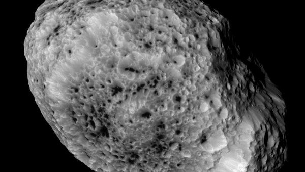 """Кассини"" передал на Землю последние фотографии Гипериона"