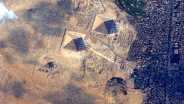Опубликовано новое фото египетских пирамид из космоса